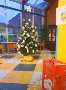 L'originale addobbo dell'albero di Natale